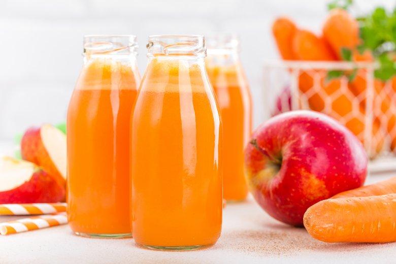 сок од јаболко и морков