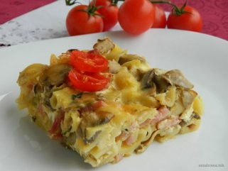 Тестенини со свежи шампињони и печеница 1