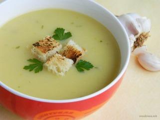 Посна крем супа со лук 1