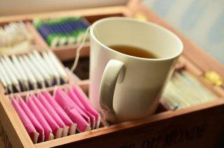 20 причини зошто да пиете чај од жалфија, црн чај, нане и шипки 1