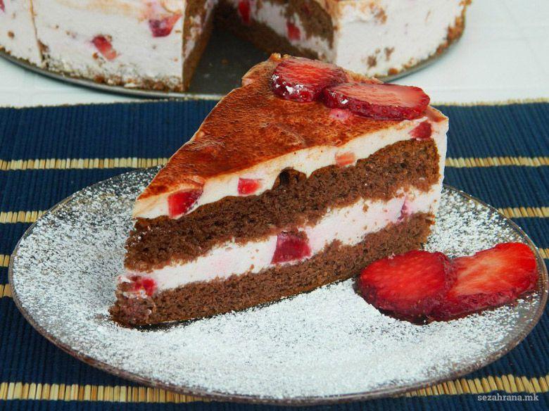 овошна торта со јагоди
