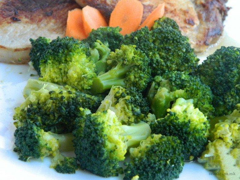 Брз здрав прилог од брокула со лук 2