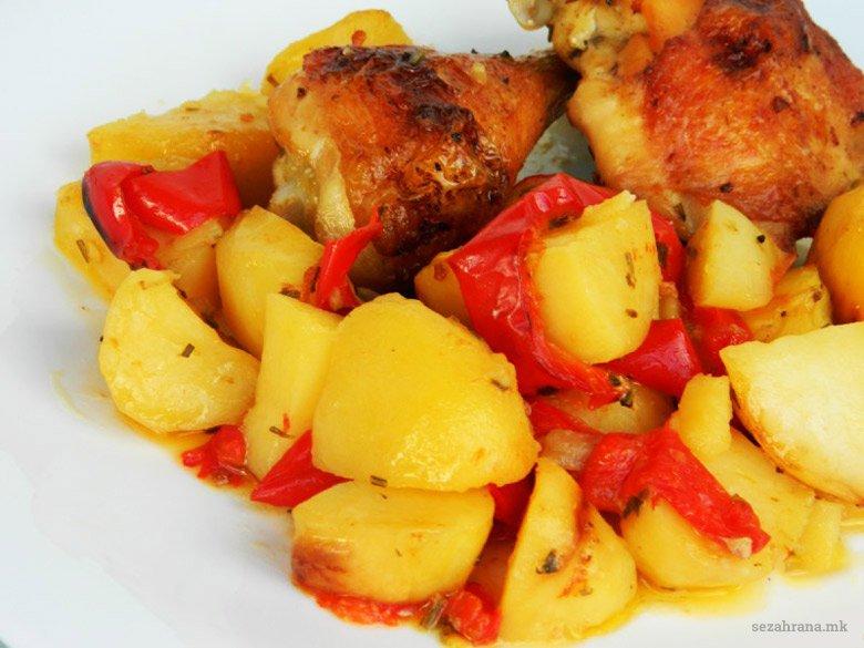 пилешко со компири