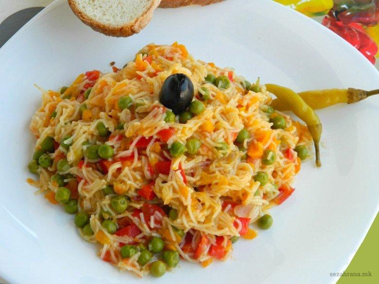 Посна манџа со фиде и зеленчук 2
