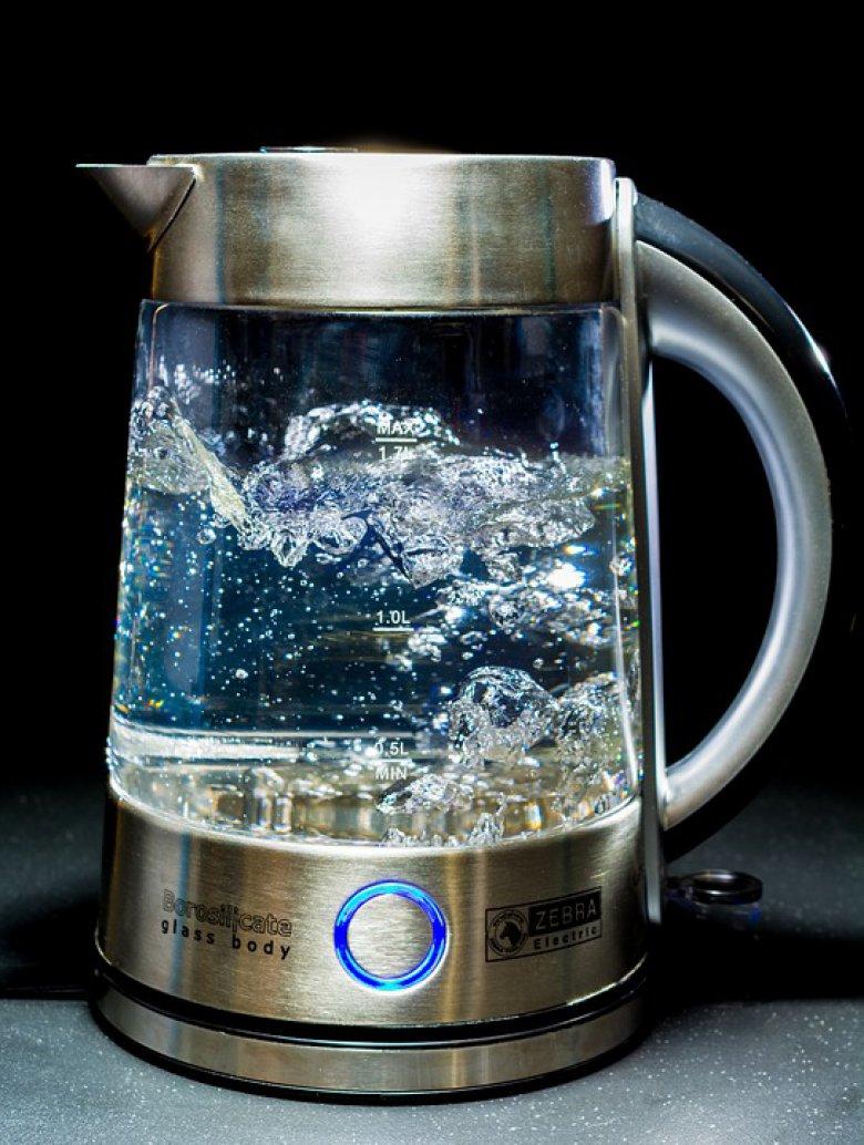 Знаете ли дека врелата вода е најефтин лек? 2
