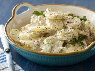 салата со компири и мајонез