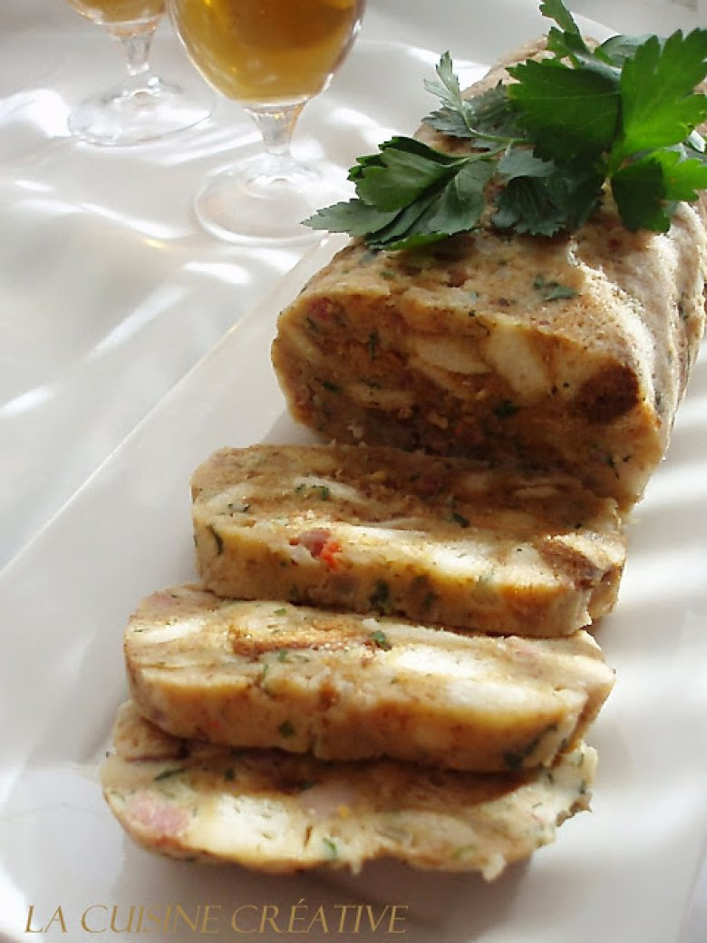 Вака припремените кнедли од бајат леб се одлични како прилог со месо, а може да ги употребите и како додаток за домашна супа 2