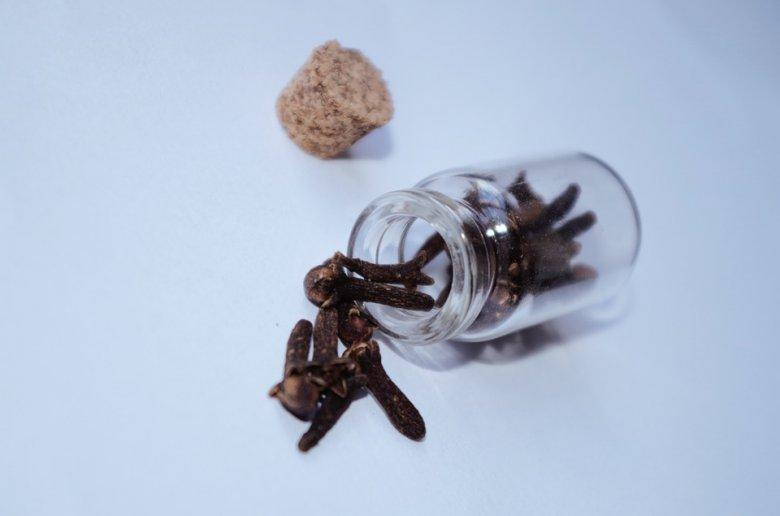Излечете ја главоболката со етерично масло од каранфилче 2