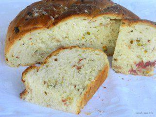 Домашен леб со пршута и фстаци 1