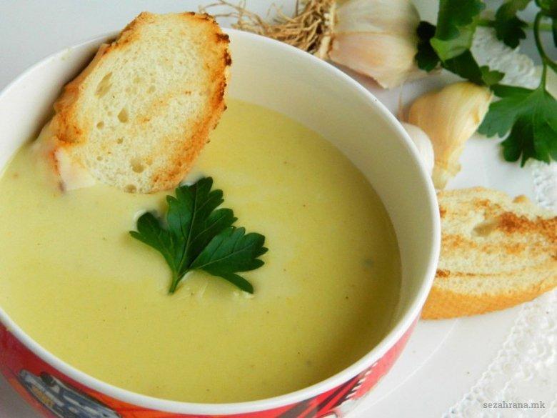 Густа млечна крем супа со лук 2