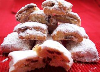 Посни колачиња со фил од јаболка, рум и ореви 1