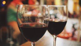 Пијте црвено вино против кариес 1