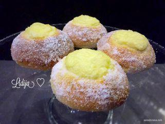 колачиња со крем од ванила