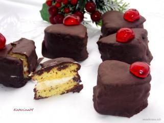 колачиња со фил во форма на срце