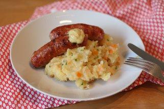 Колбаси со пире од мешан зеленчук 1
