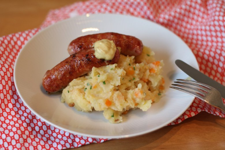 Колбаси со пире од мешан зеленчук 2