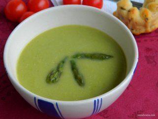 Крем супа со аспарагус и павлака 1