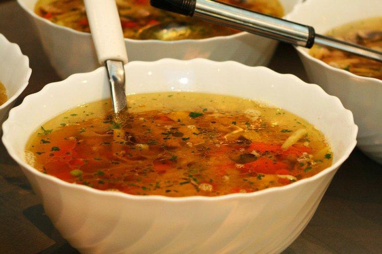 Пилешка супа со мешан зеленчук (без глутен) 2