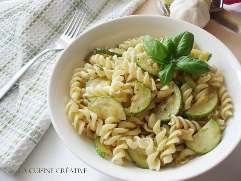 Брз рецепт за тестенини со тиквички 2