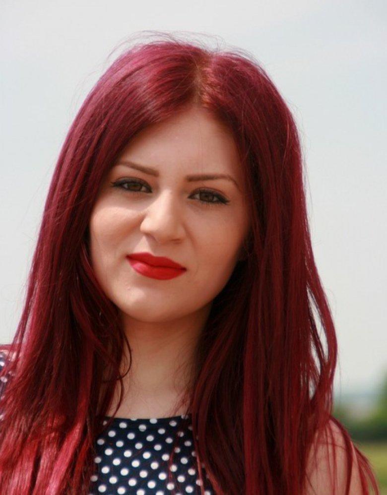 Природни маски за прекрасна црвена коса што подолго време 2