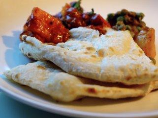Индиски полнети лепчиња - Masala Kulcha 1