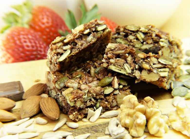 Гранола бар од здрави состојки - лесен домашен рецепт 2