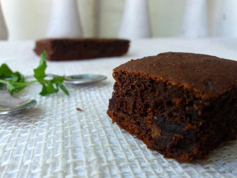 Чоколадна торта со ржано брашно без шеќер 2