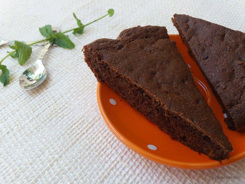 Чоколадна торта со ржано брашно без шеќер 3