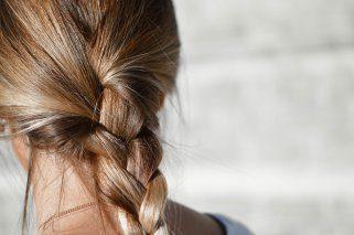 4 начини да употребите сок од лимон за косата 1