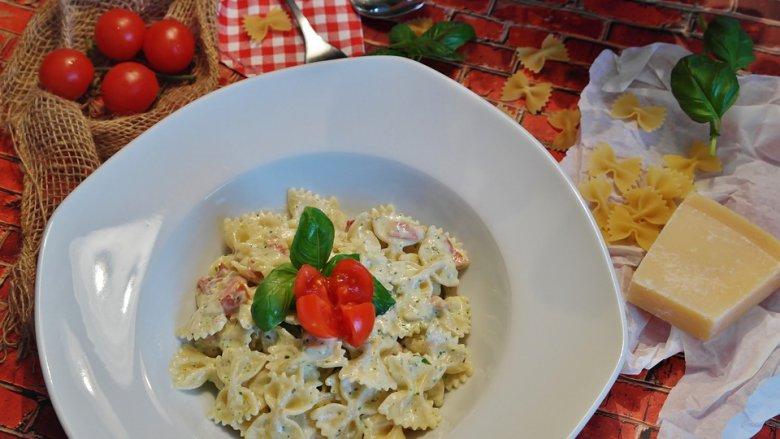 Тестенини со крем сос од тиквички, сирење и павлака 2