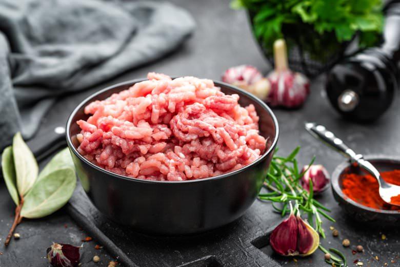 совршено ракување со мелено месо