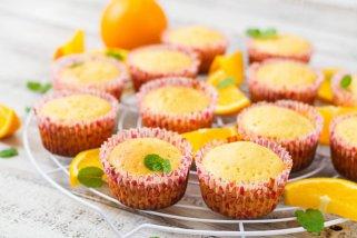 мафини со портокал и бадеми