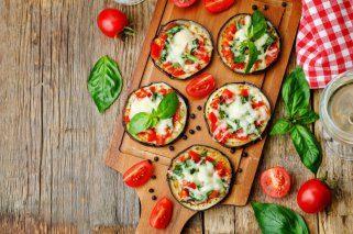 Мини пици Маргарита од модри патлиџани по италијански рецепт 1