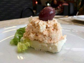 рецепт за урнебес салата со изварка