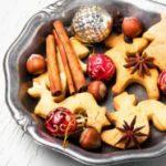 Суви празнични колачи со лешници и цимет
