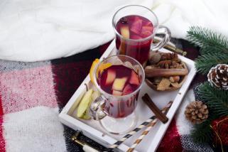 пијалак од вино со јаболко и круша