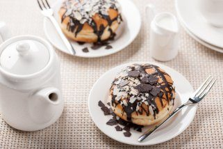 Печени крофни со домашен чоколаден прелив 1
