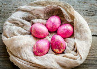 7 проверени совети за успешно варење на Велигденски јајца 1