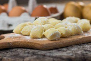 Едноставен рецепт за домашни њоки од 3 состојки 1