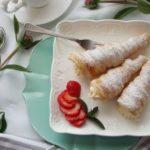 Корнети од лиснато тесто со крем од слатка павлака