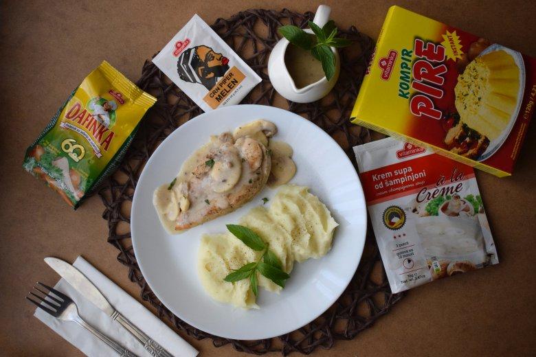 Пилешко со пире во брз сос од печурки 2