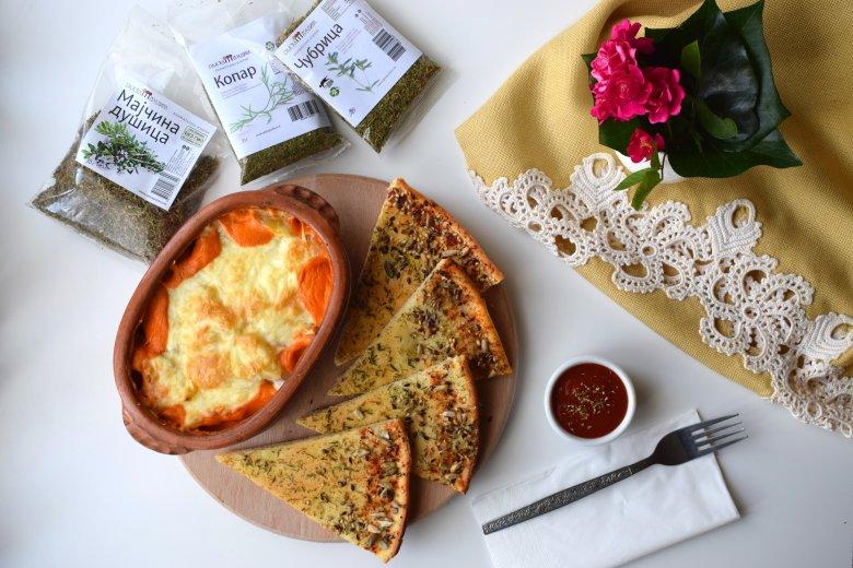 Запечени компири во медитерански сос 2