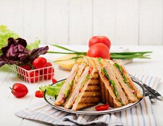 клуб сендвич со тартар сос