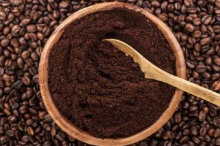 Освежете ја косата и намалете ги темните кругови под очите со помош на кафе