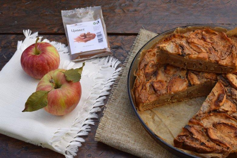 Есенска пита со јаболка и цимет - брза и без миксер 3