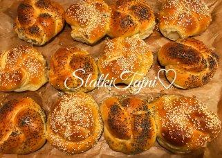 Меки турски погачици со путер 1