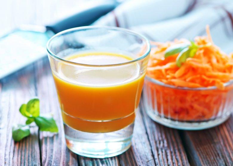 сок од морков против опаѓање на косата