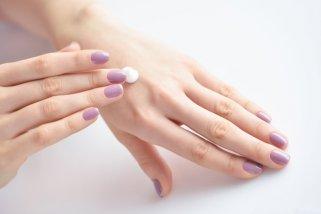 Mаска од кисело млеко против сува кожа на рацете 1