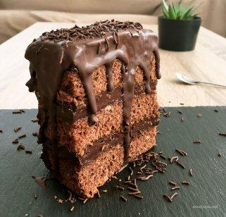 чоколадна торта со пудинг