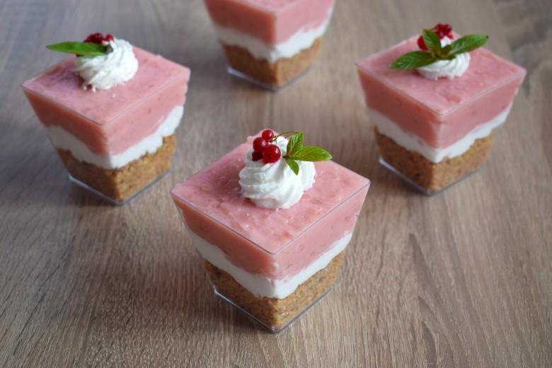посен овошен десерт во чаша